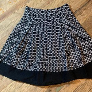 Skirt a line circle size small